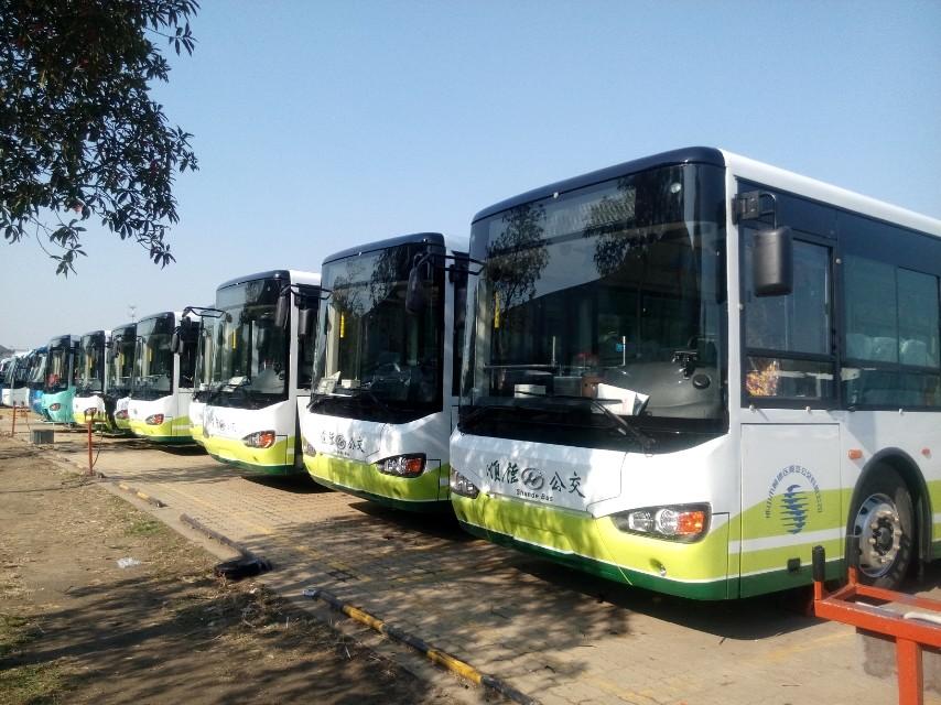热烈祝贺顺汽公交78台插电式公携赛威全系列投入运营